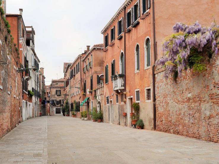 Dorosduro street