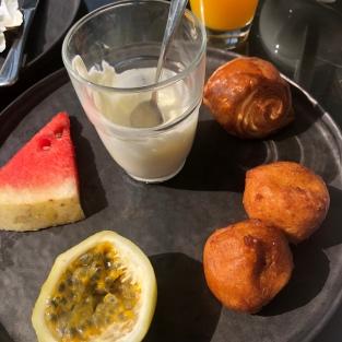 And sunny breakfast treats.